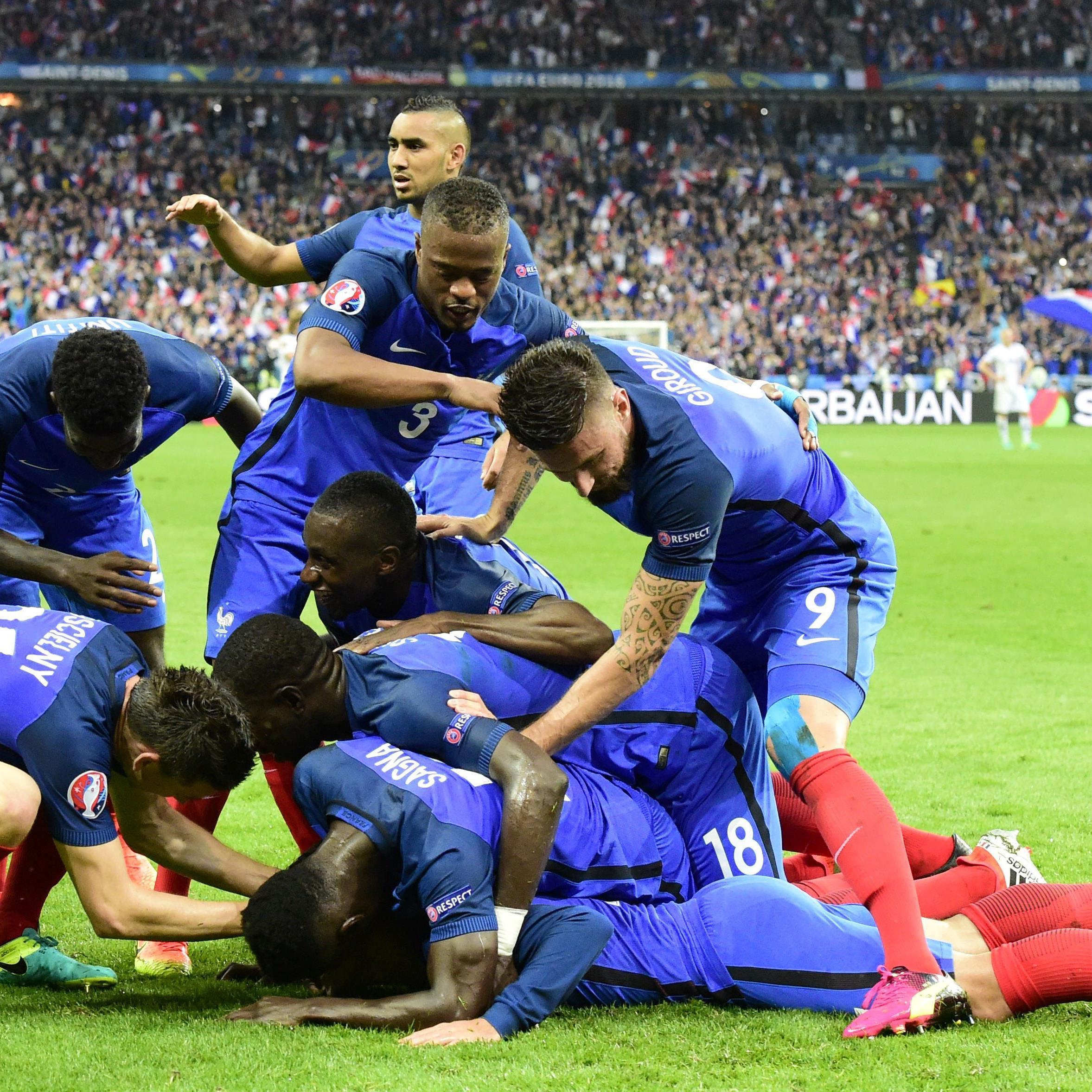 Große Freude bei EM-Gastgeber Frankreich nach dem Sieg gegen Island.