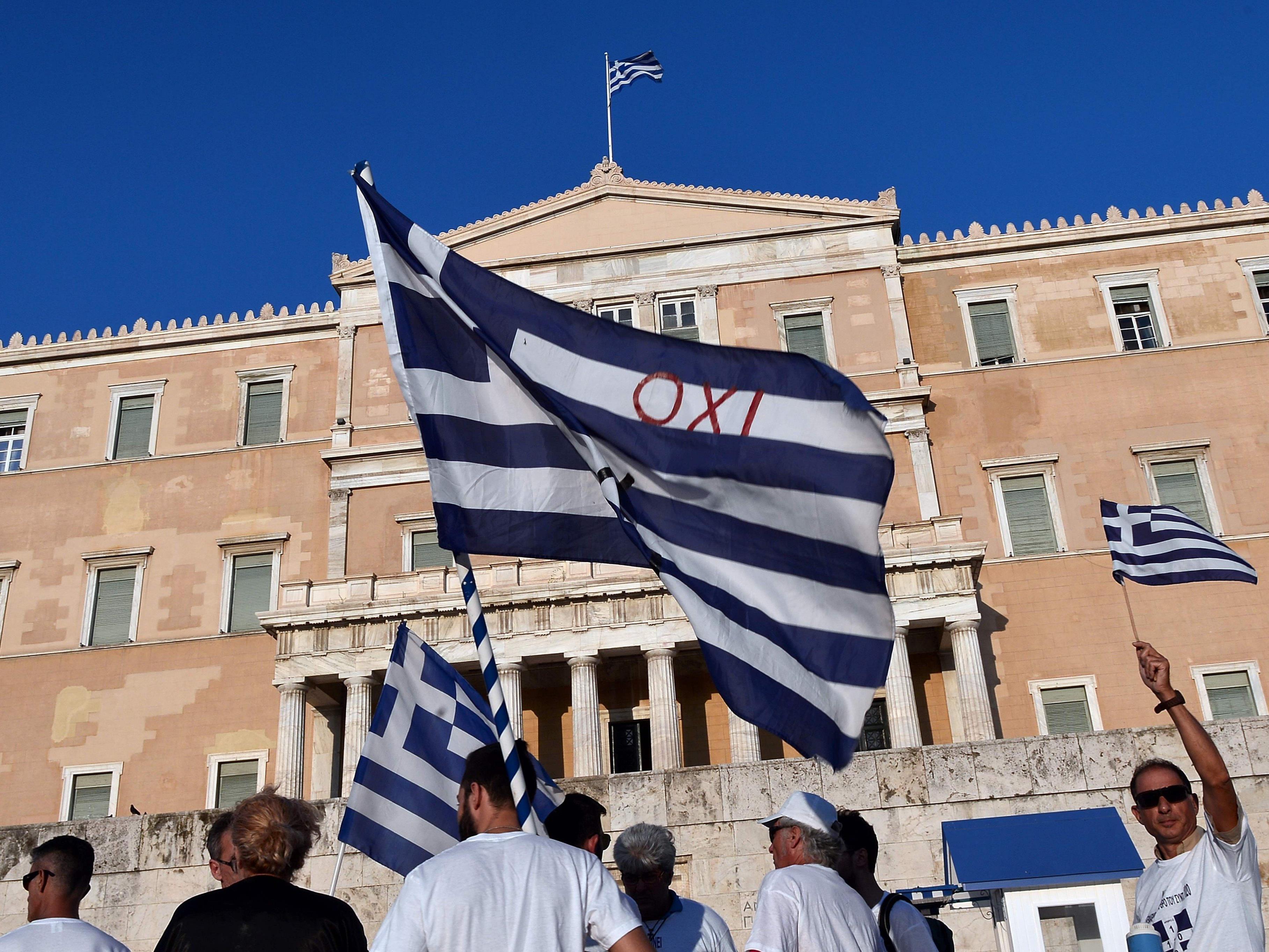 Die griechische Regierung hat eine Liste mit Unternehmen und Privatpersonen veröffentlicht, die benennt, wer dem griechischen Staat Steuern schuldet.