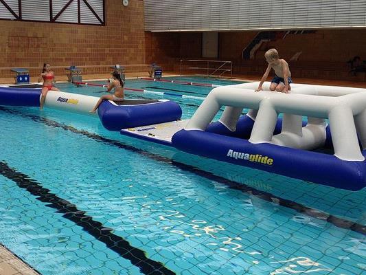 Der Aqua Fun Track im Hallenbad Bregenz.