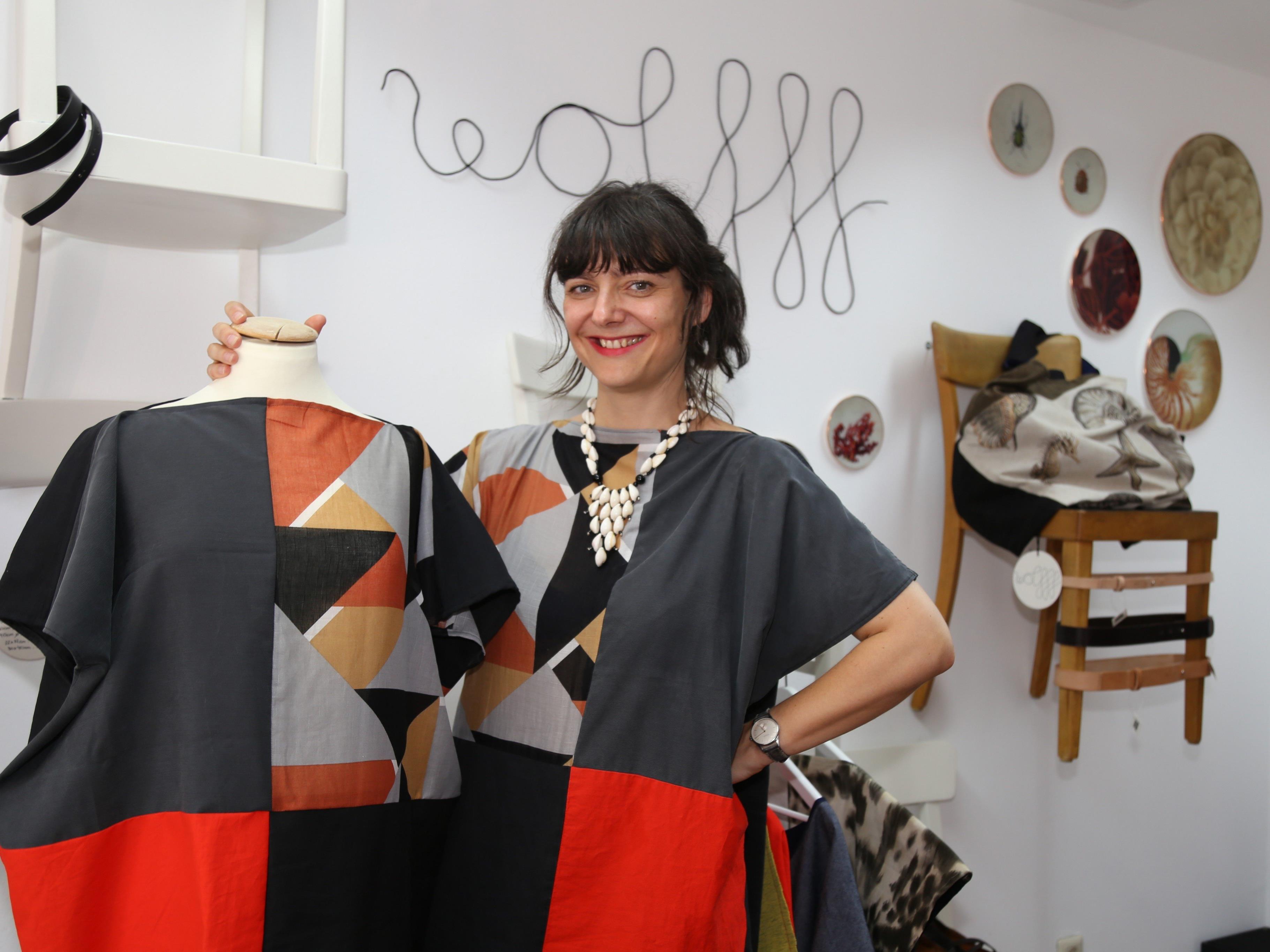 Caroline Wolff eröffnete vergangenen Freitag ihre Modelinie im Urban Foxxes am Mühletorplatz.
