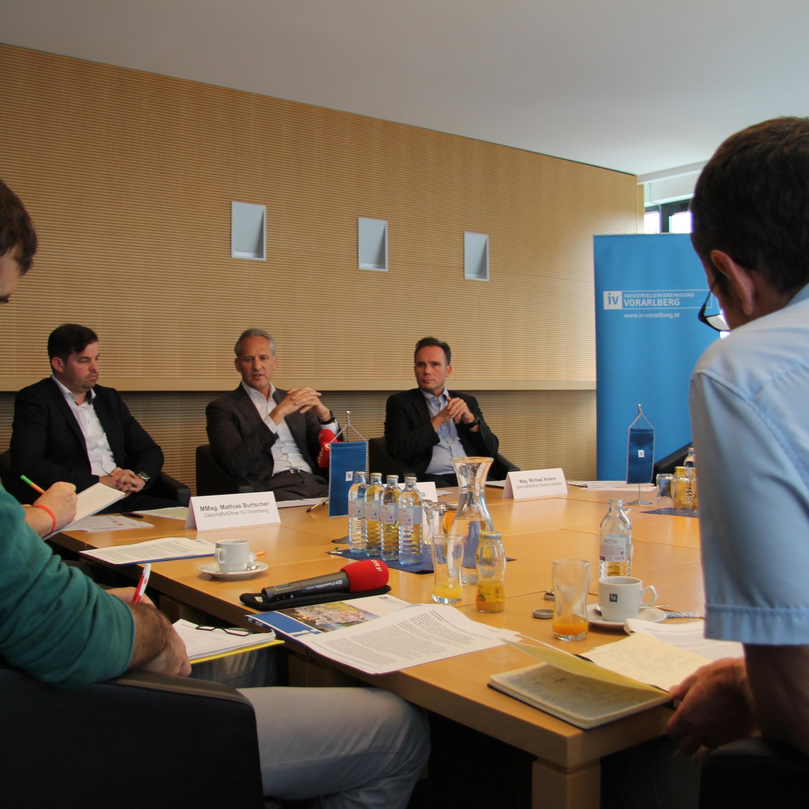Die Vorarlberger Wirtschaft sei aufgrund der aktuellen Unsicherheiten ernüchtert, so das Fazit.