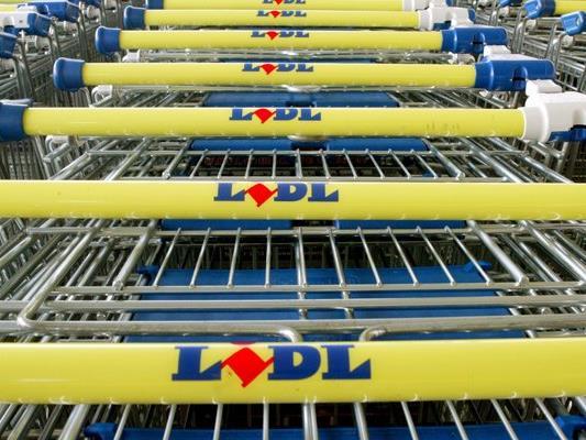 Der Supermarktkonzern Lidl wurde offenbar mit Bombendrohungen erpresst.
