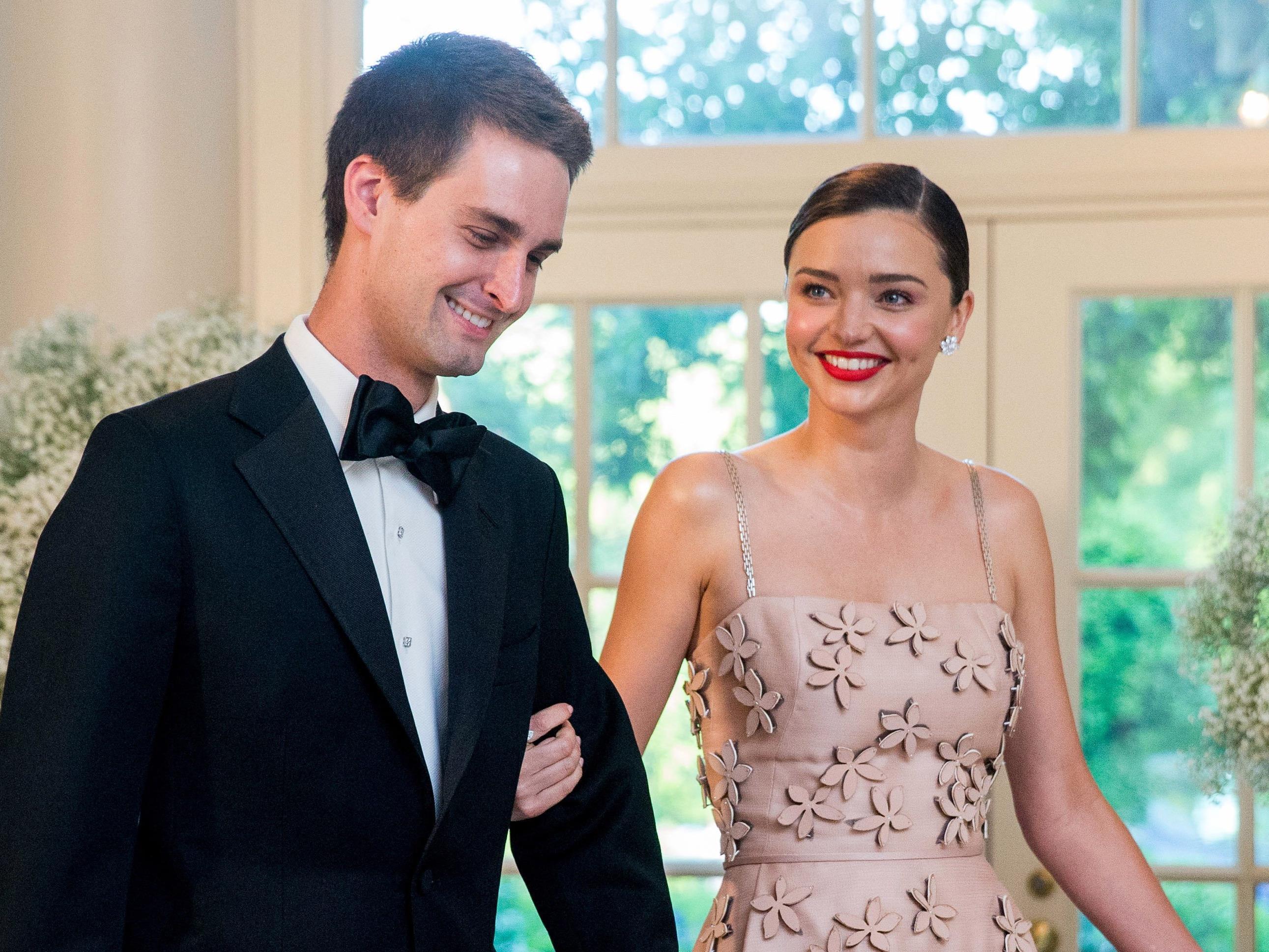 Miranda Kerr und Snapchat-Chef Evan Spiegel haben sich verlobt.