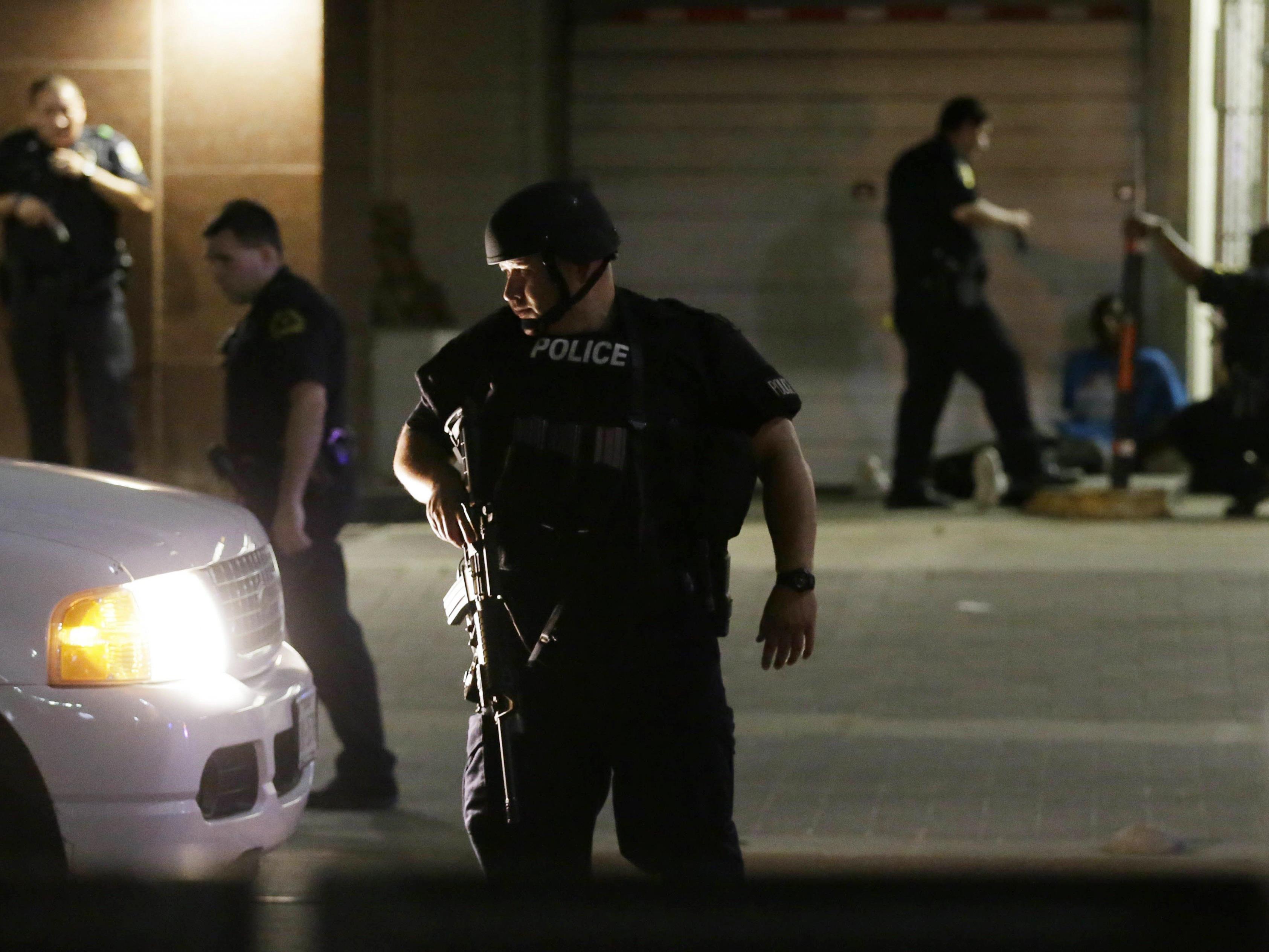 Polizeichef: Zwei Scharfschützen haben zehn Polizisten getroffen.