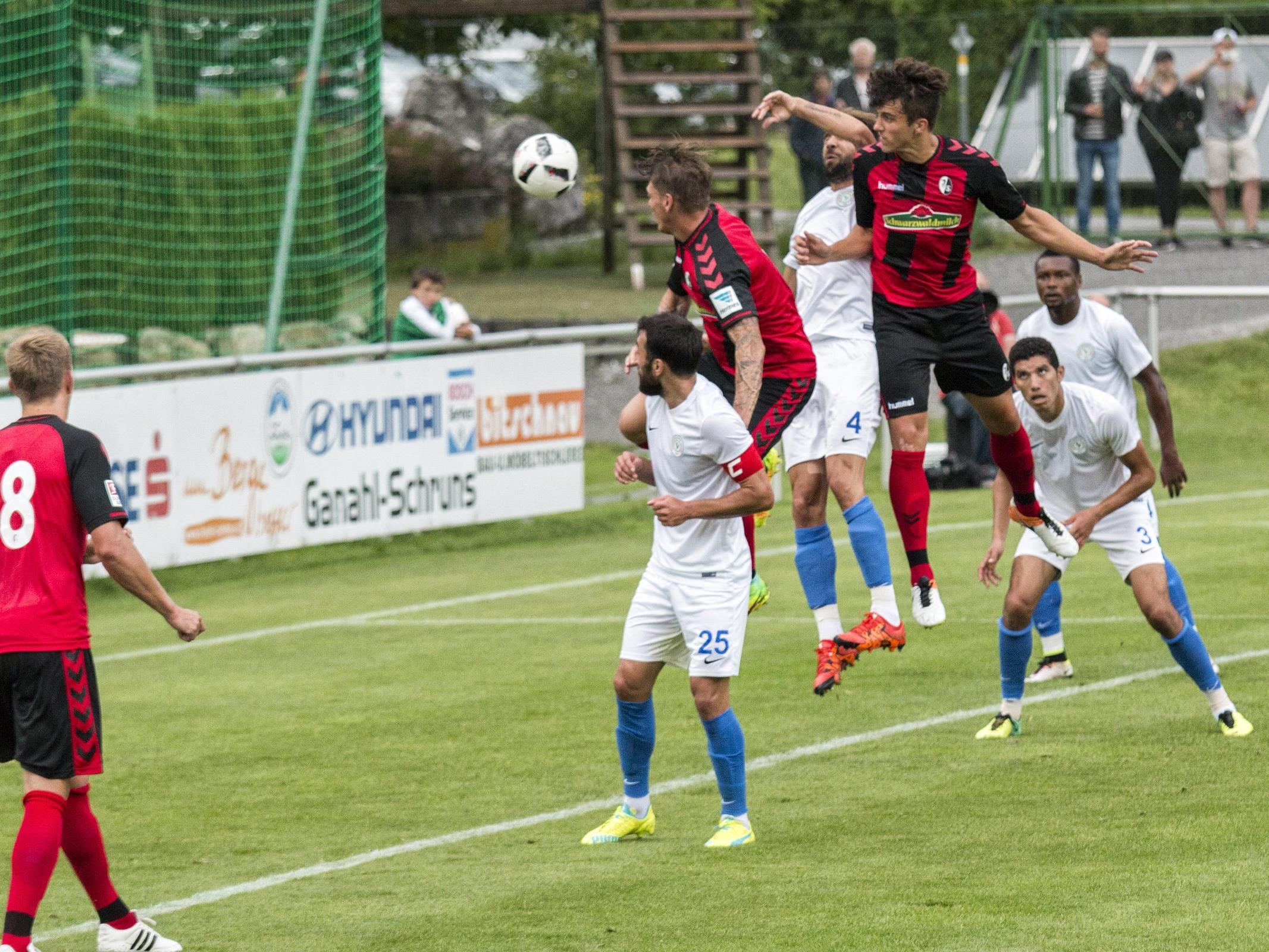 Testspiel SC Freiburg gegen Caykur Rizespor im Stadion Schruns-Tschagguns