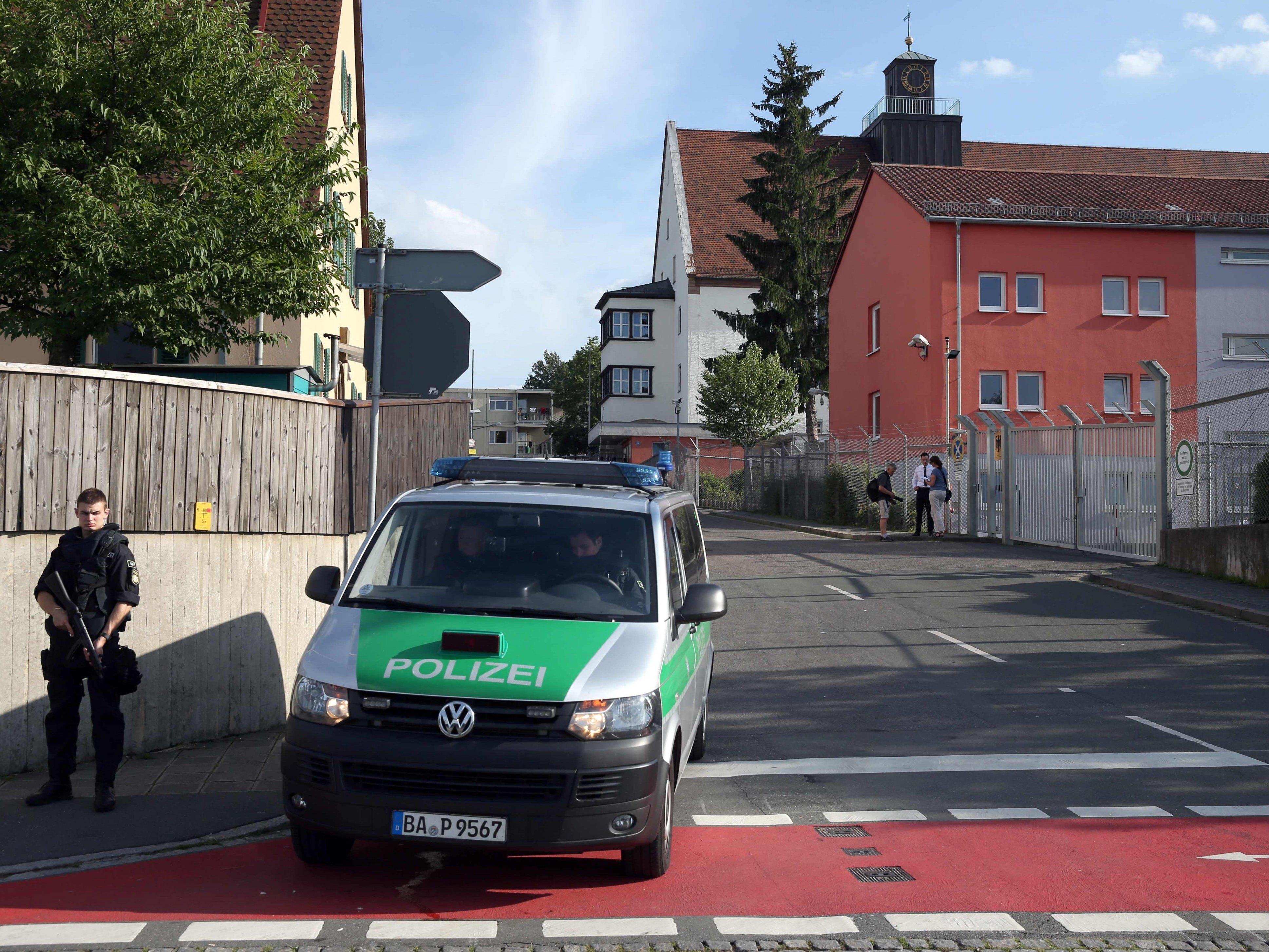 Die Polizei stellte in Zirndorf keine Anzeichen für eine Bombe fest.