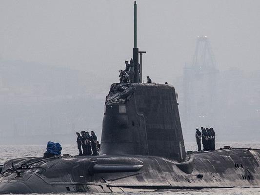 """Das Atom-U-Boot """"Ambush"""" bei seinem ungeplanten Halt in Gibraltar."""
