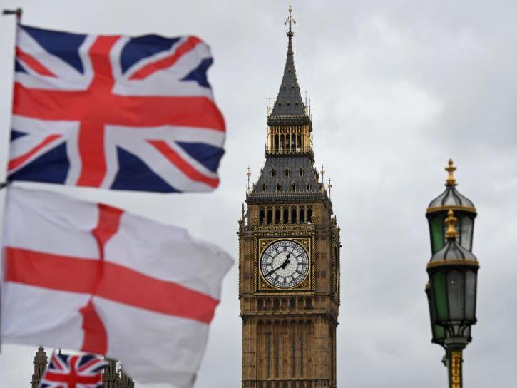 Briten stehen laut Prognosen vor Wirtschaftsrückgang