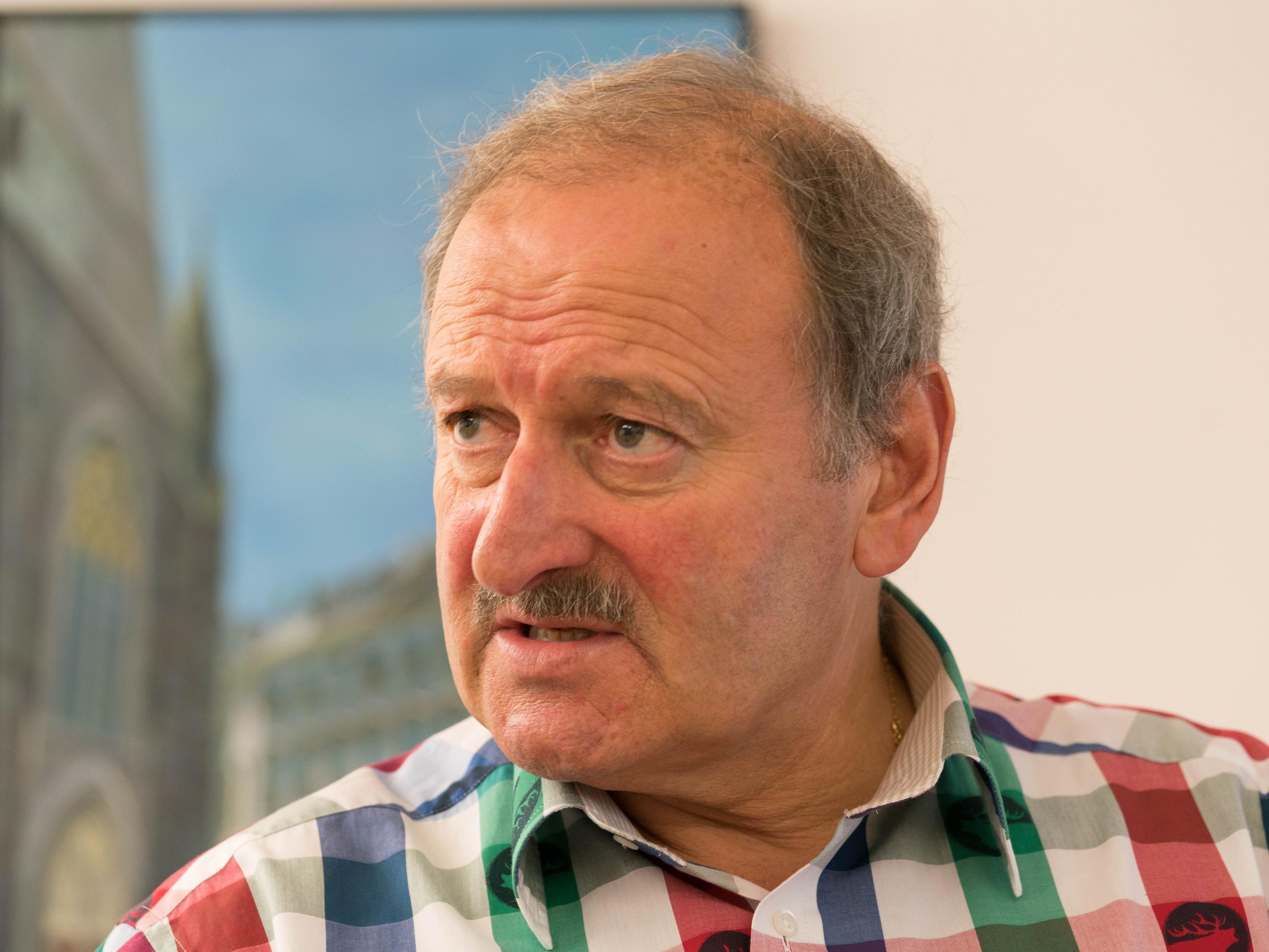 Gorbach fordert Pensionszahlungen vom Land.