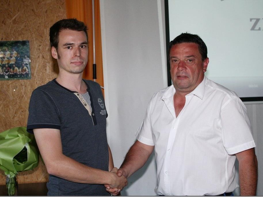 Stefan Muxel (l.) löst Alexander Bernhard als Obmann ab