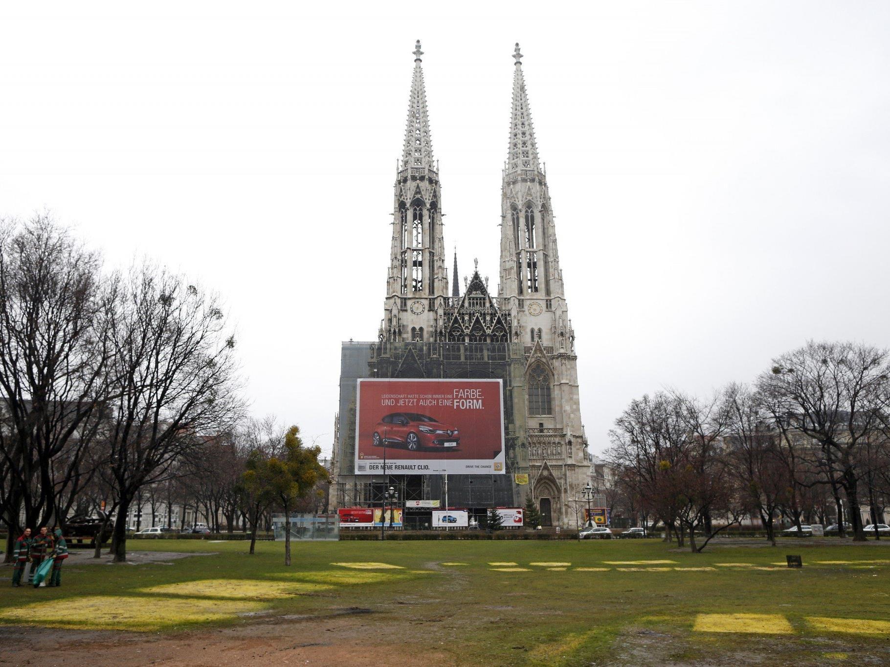 In dem Park nahe der Votivkirche kam es zu einem Straßenraub