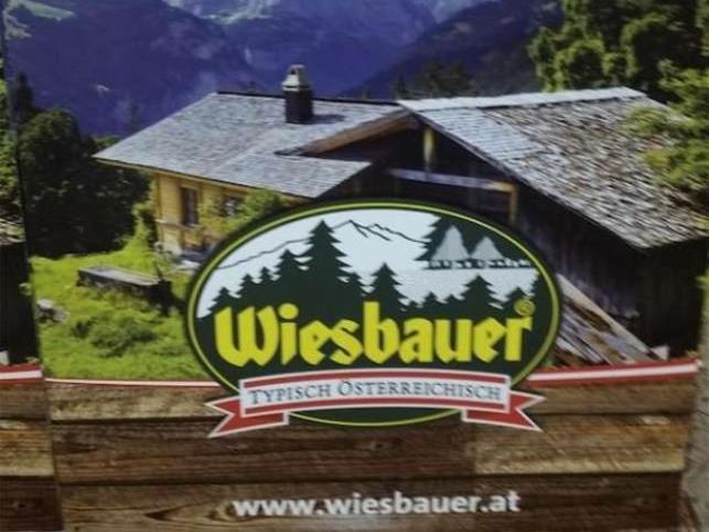 """Die Berge im Hintergrund gehören zur """"Jungfrau"""" in den Schweizer Alpen"""
