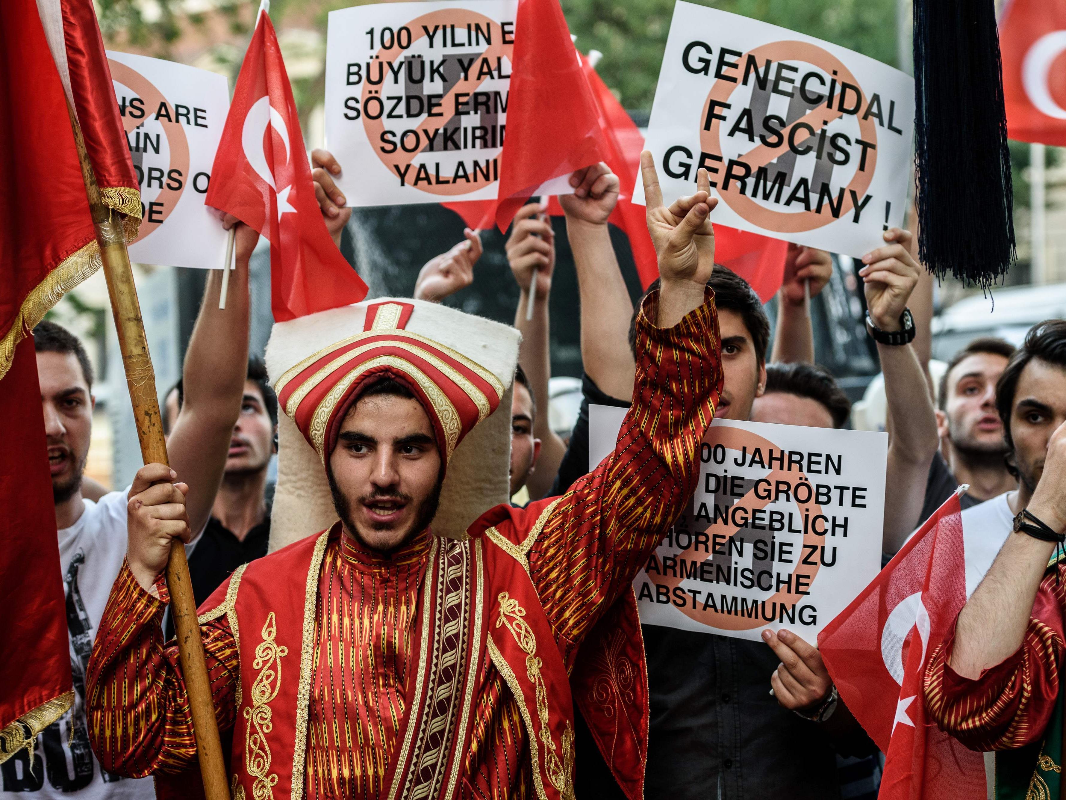 Der stellvertretende Ministerpräsident Numan Kurtulmus warf Deutschland vor, mit zweierlei Maß zu messen.