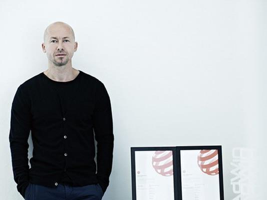 Der Grafikdesigner Andreas Haselwanter aus Dornbirn wurde mit drei neuen Design-Awards ausgezeichnet.