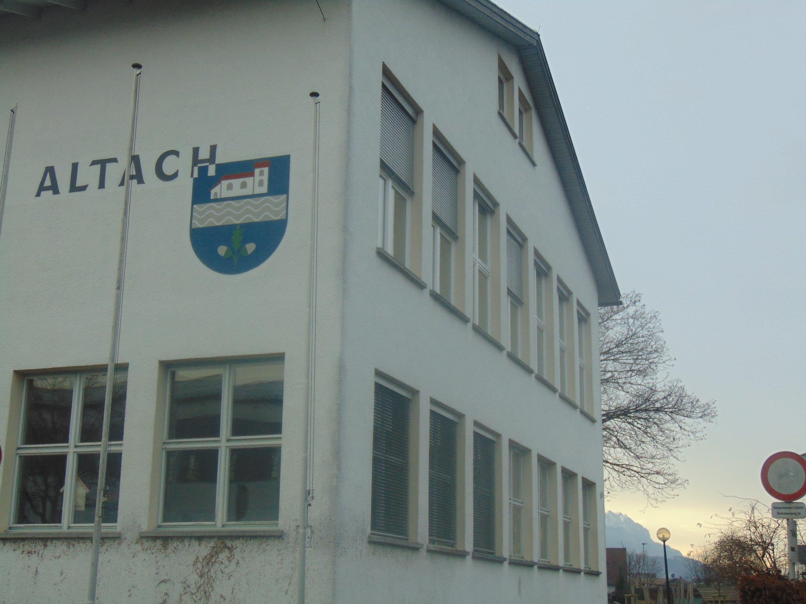 In der Altacher Gemeindestube wurde über die elektronische Aufzeichnung von GV-Sitzungen abgestimmt.