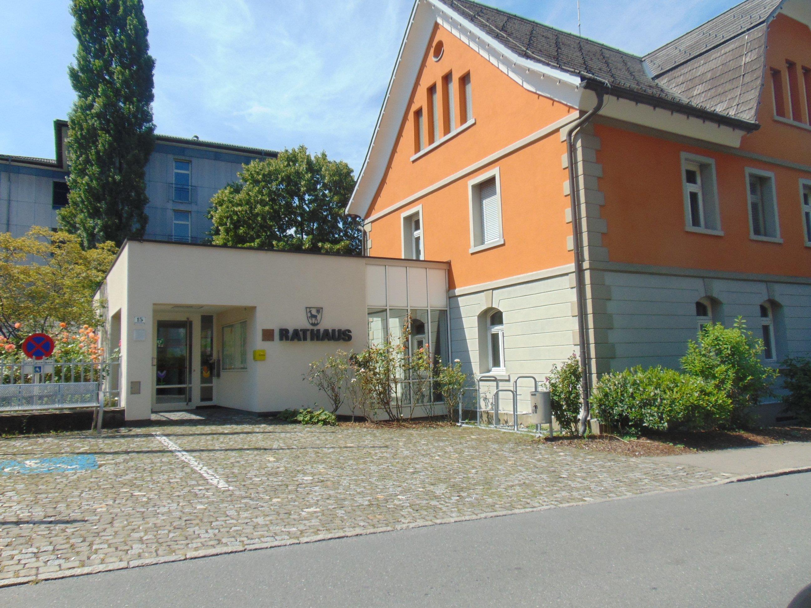 Im Götzner Rathaus ist der Sitz des Gemeindevermittlungsamtes