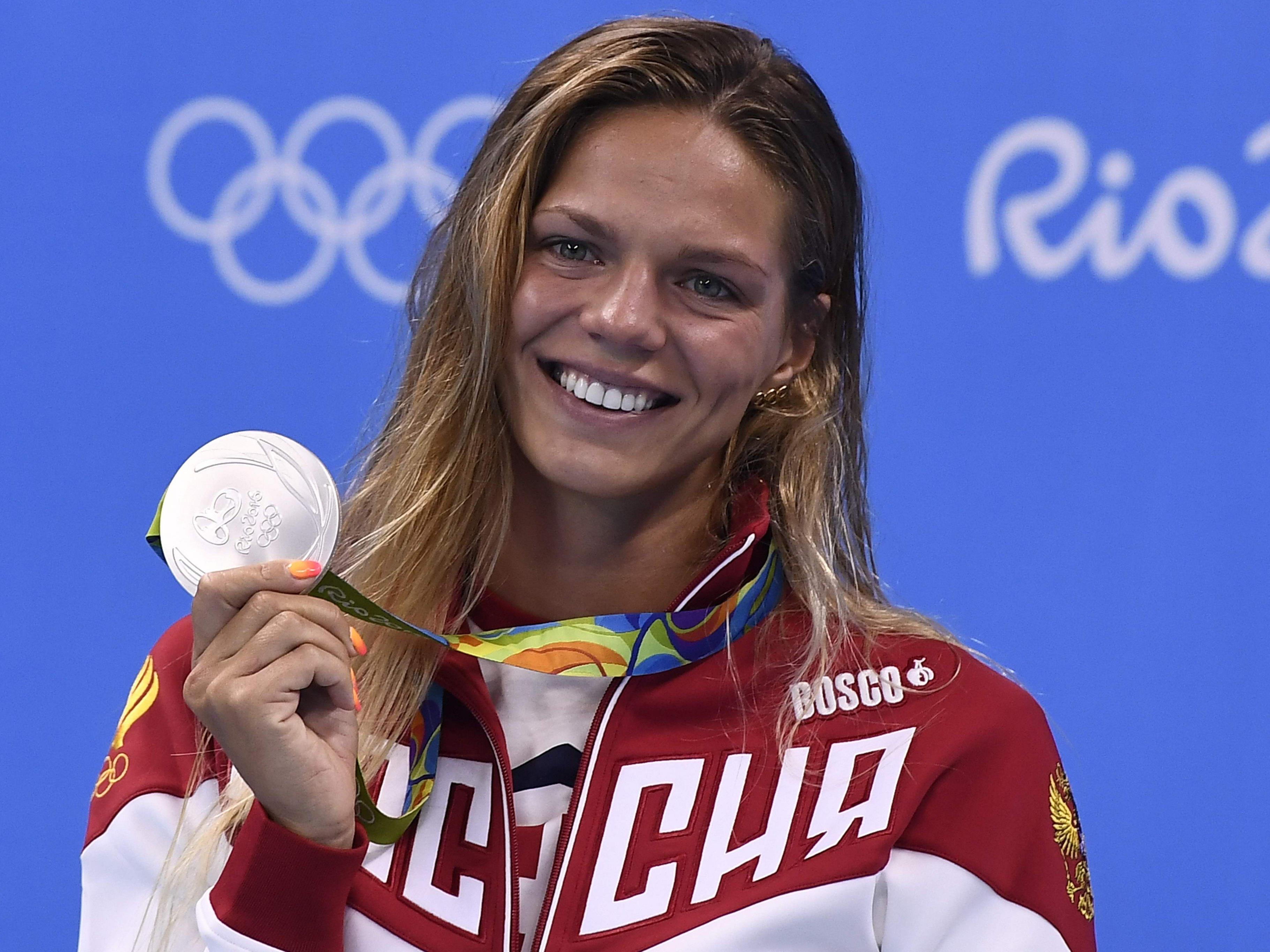 Julia Efimowa schien sich über ihre Silbermedaille zu freuen.