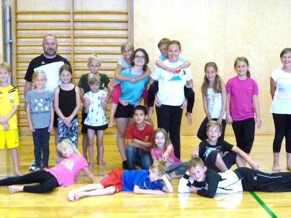 Gruppenfoto mit den Kindern und Betreuern