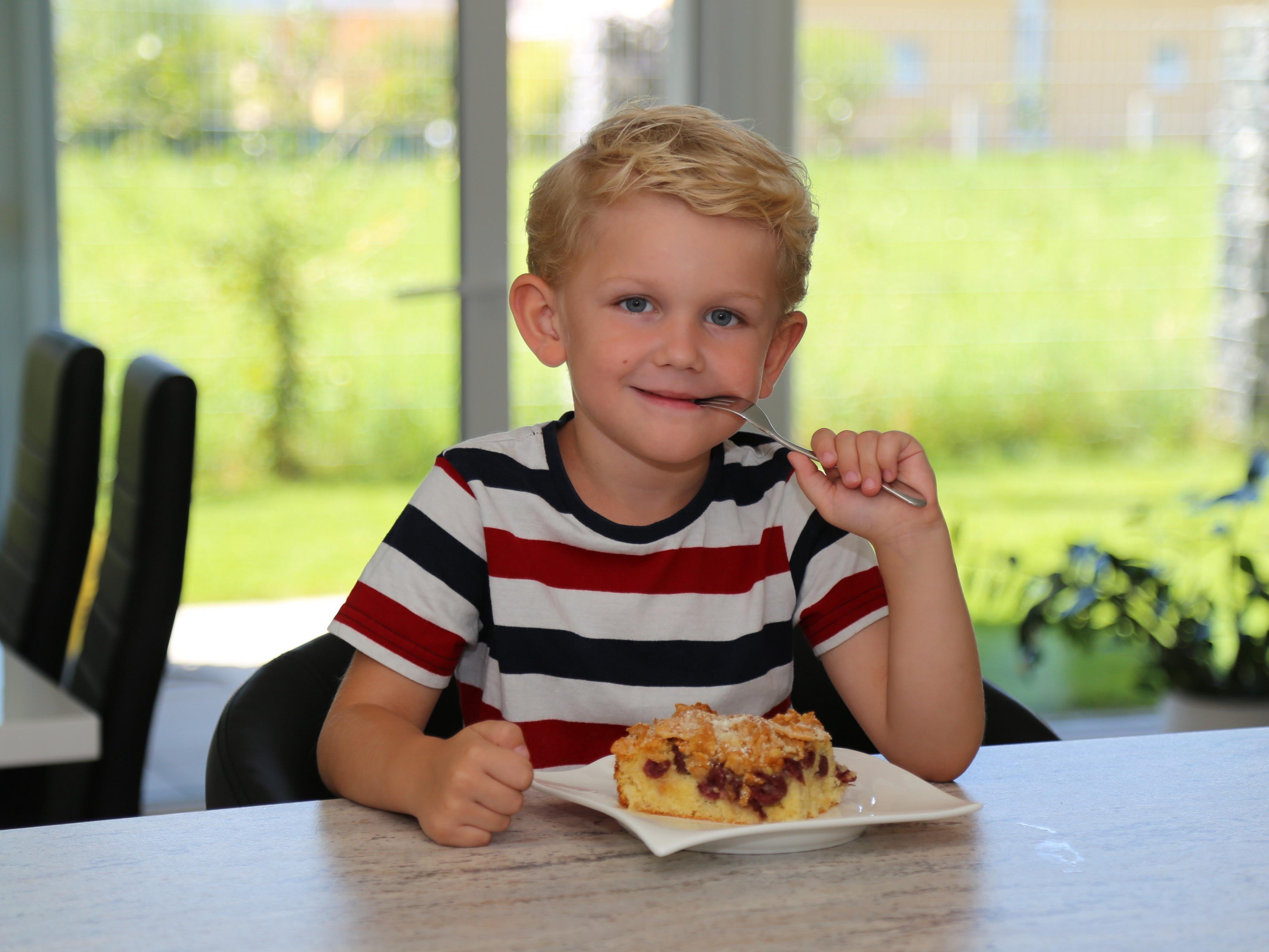 Aus dem Frühstück wird ein Dessert – Jason Durell ist begeistert vom Cornflakes-Kuchen.