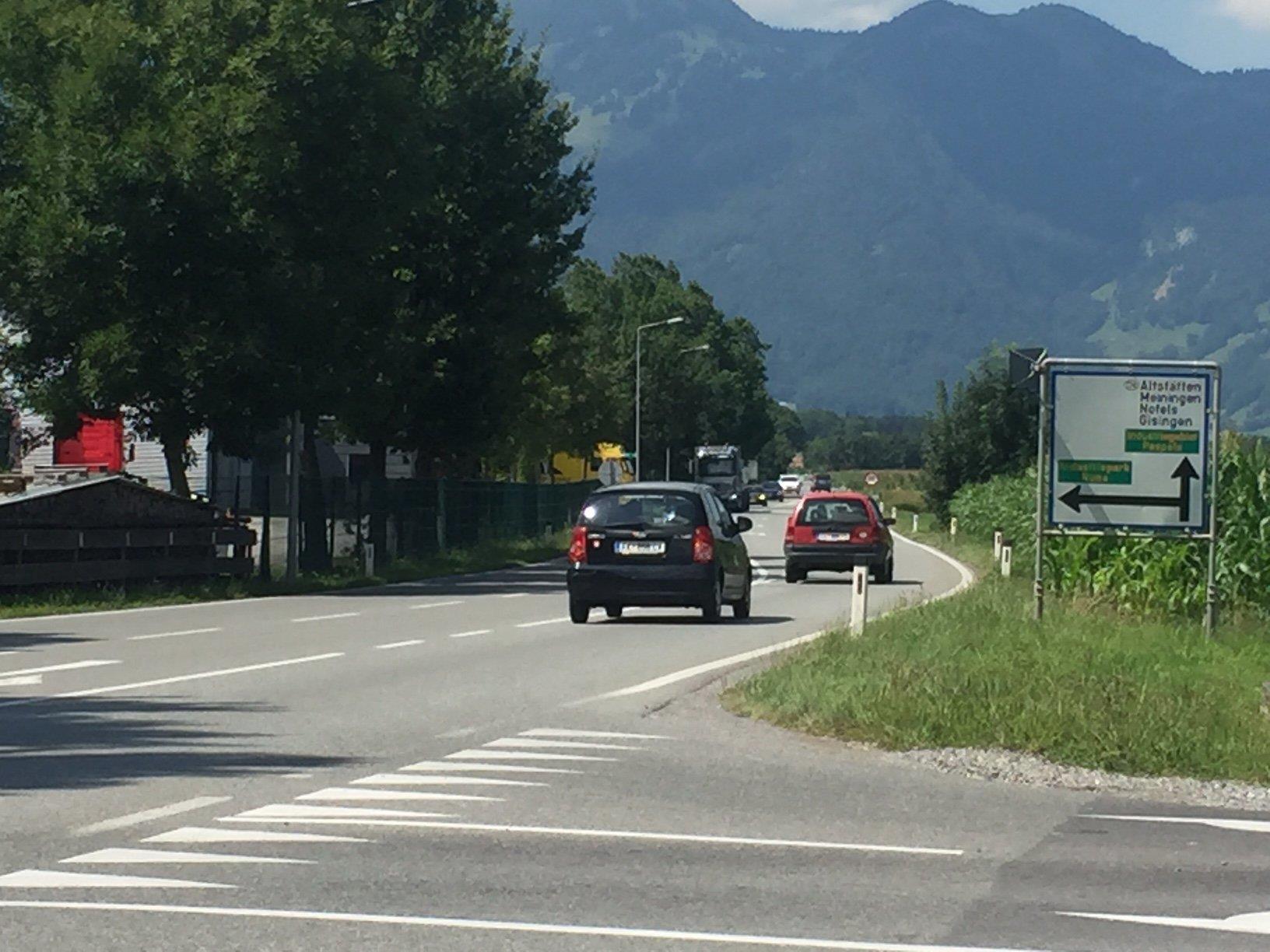 Bisher müssen die Radfahrer hier die stark frequentierte L 52 ohne Radfahrstreifen nutzen.