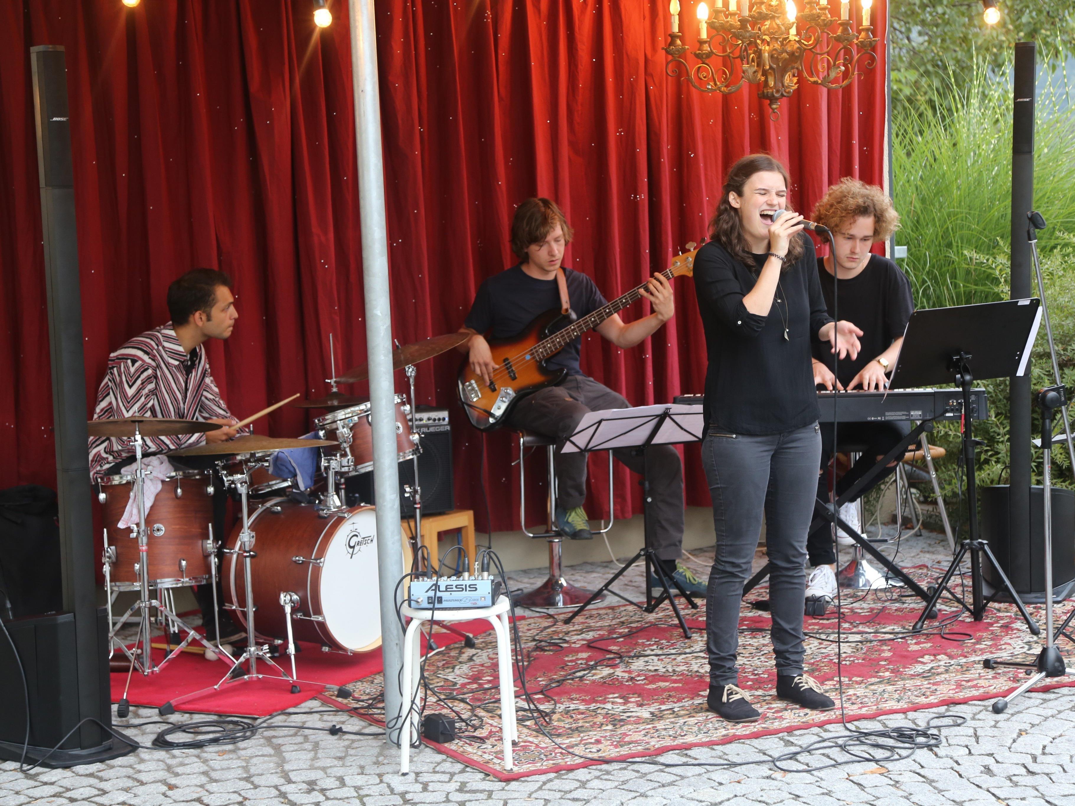 """Die vierköpfige Band """"La Risa"""" aus Vorarlberg sorgte für beste Jazz- und Popmusik am Bugo-Platz."""