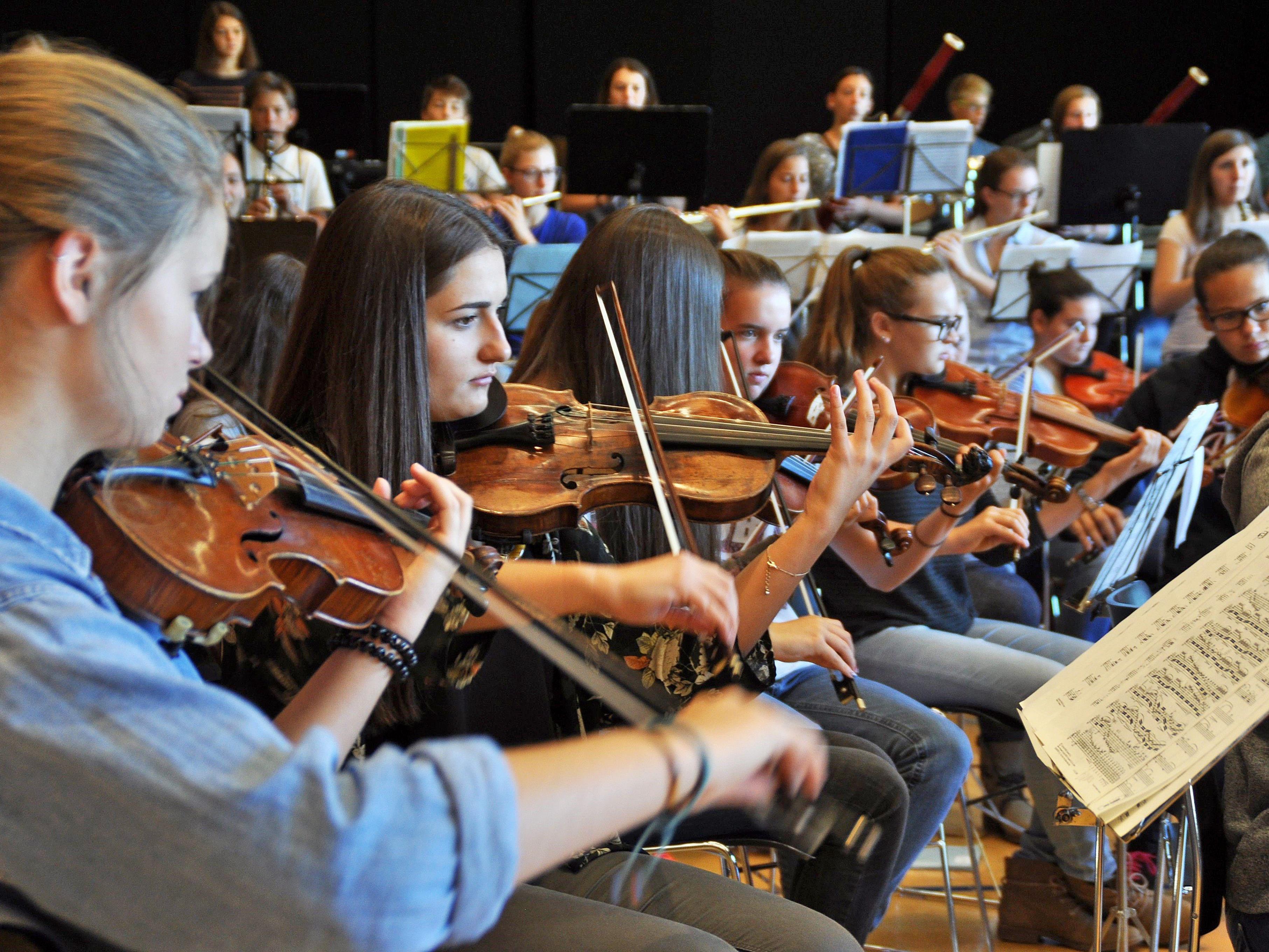 Sieben Tage wurde unter der Leitung von Dir. Ivo Warenitsch intensiv am neuen Programm geprobt und in den Orchesteralltag abgetaucht.