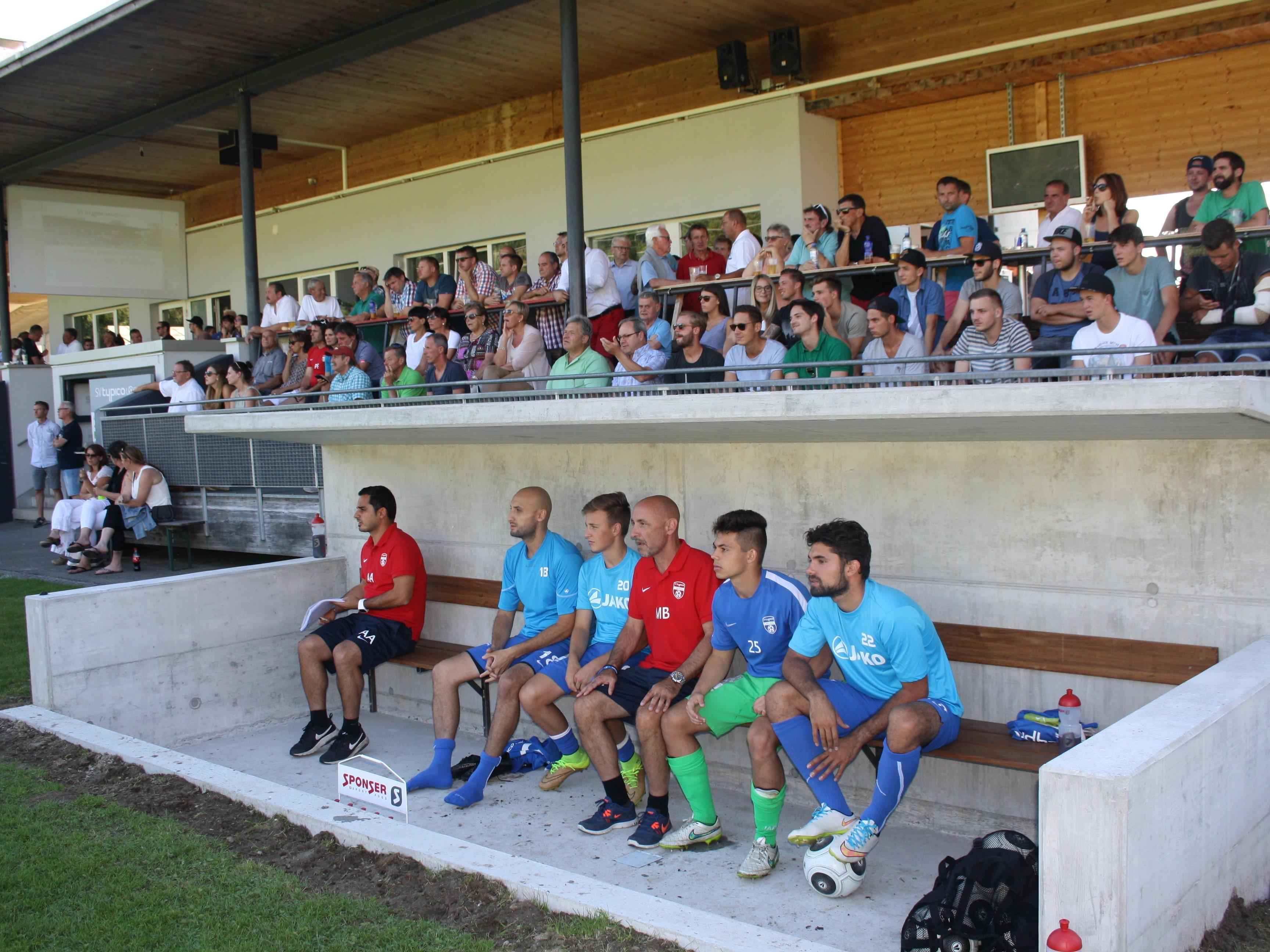 Ein kleines Fußballfest in Lochau: Am Mittwoch um 18.15 Uhr spielt der Bundesligist Cashpoint SCR Altach gegen das Team des SV Typico Lochau. Da muss die Tribüne wieder voll sein!