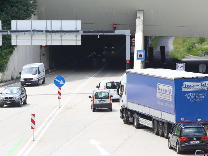 Tunnel wird für den Verkehr geöffnet