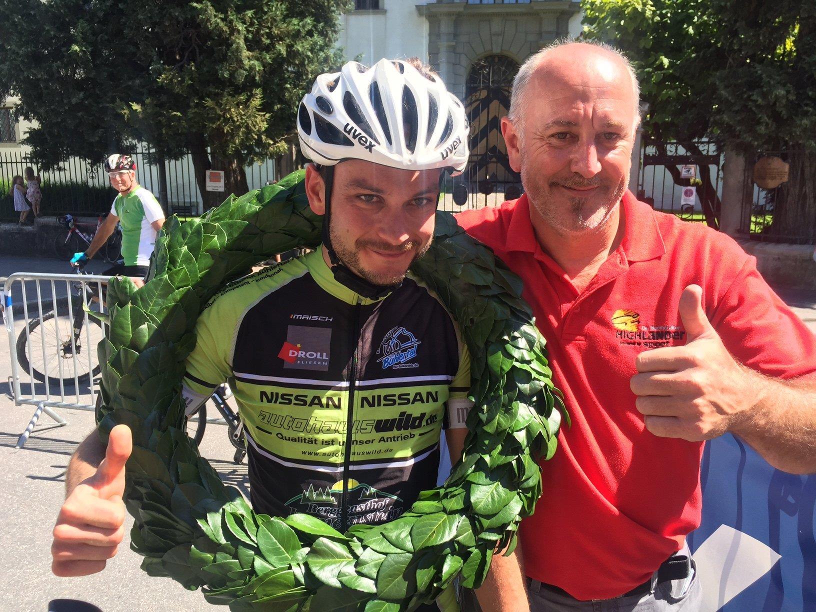 Sieger Michael Markoff mit OK Chef Herbert Benzer. VOL.AT gratuliert !