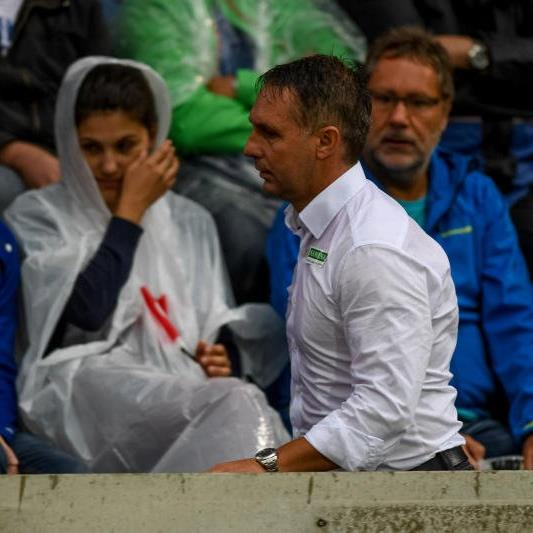 Altach Trainer Damir Canadi wurde auf die Tribüne verbannt