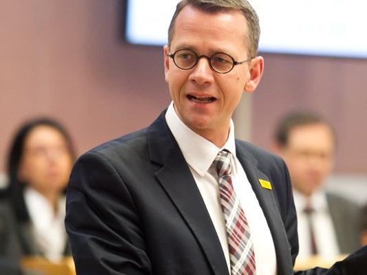 Matthias Kucera, Sozialsprecher der ÖVP Vorarlberg unterstützt das Modell der gedeckelten Mindestsicherung.