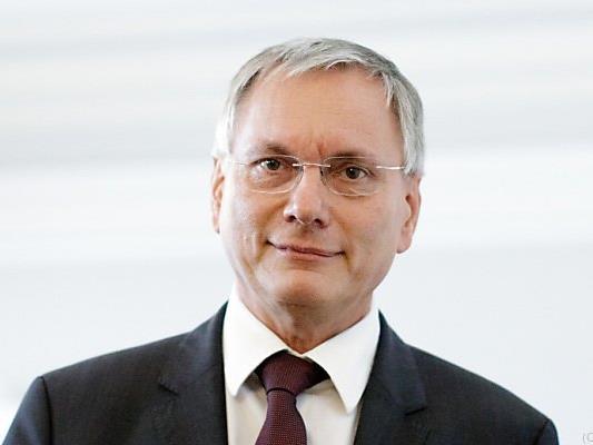 """Der Sozialminister traut dem """"Frieden"""" nicht"""