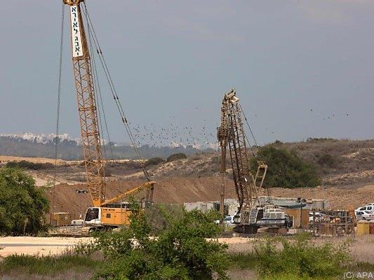 Die Mauer soll die 60 gesamten Kilometer um den Gazastreifen verlaufen