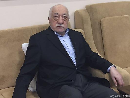 Gülen lebt in den USA im Exil