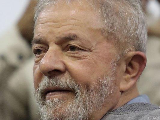 Im schlimmsten Fall drohen Lula über 32 Jahre Haft