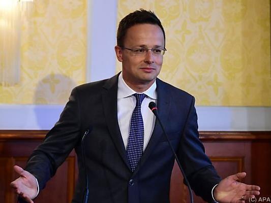 Ungarns Außenminister Szijjarto übt Kritik