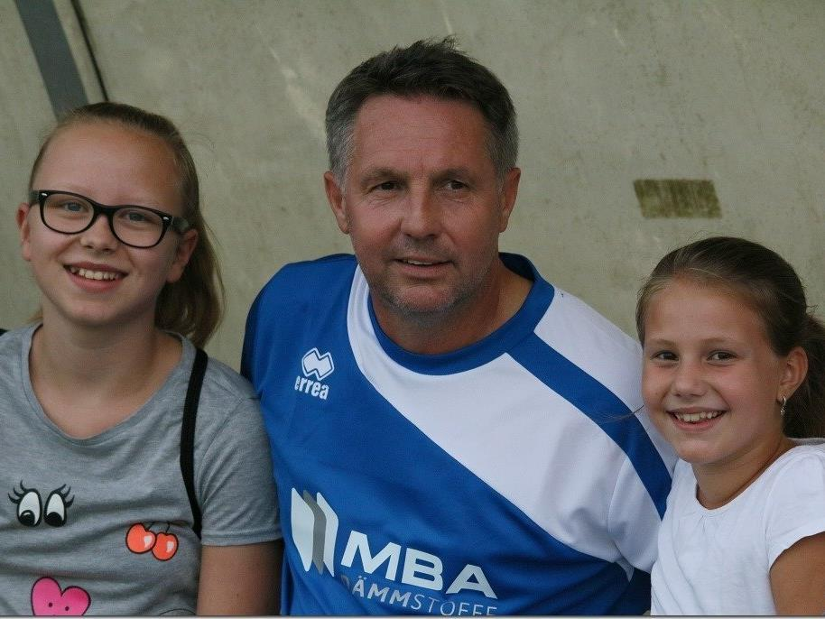 Damir Canadi und seine beiden Töchter