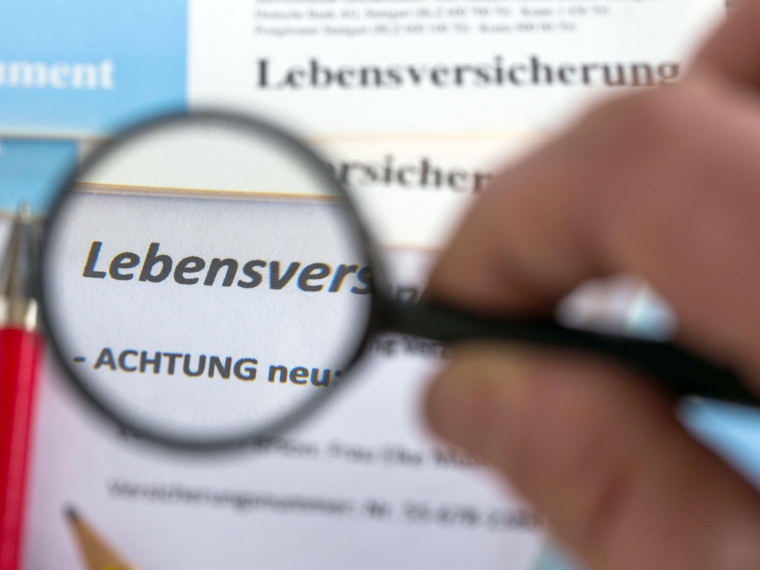 Der Vorarlberger Anwalt nimmt Lebensversicherungen genau unter die Lupe.
