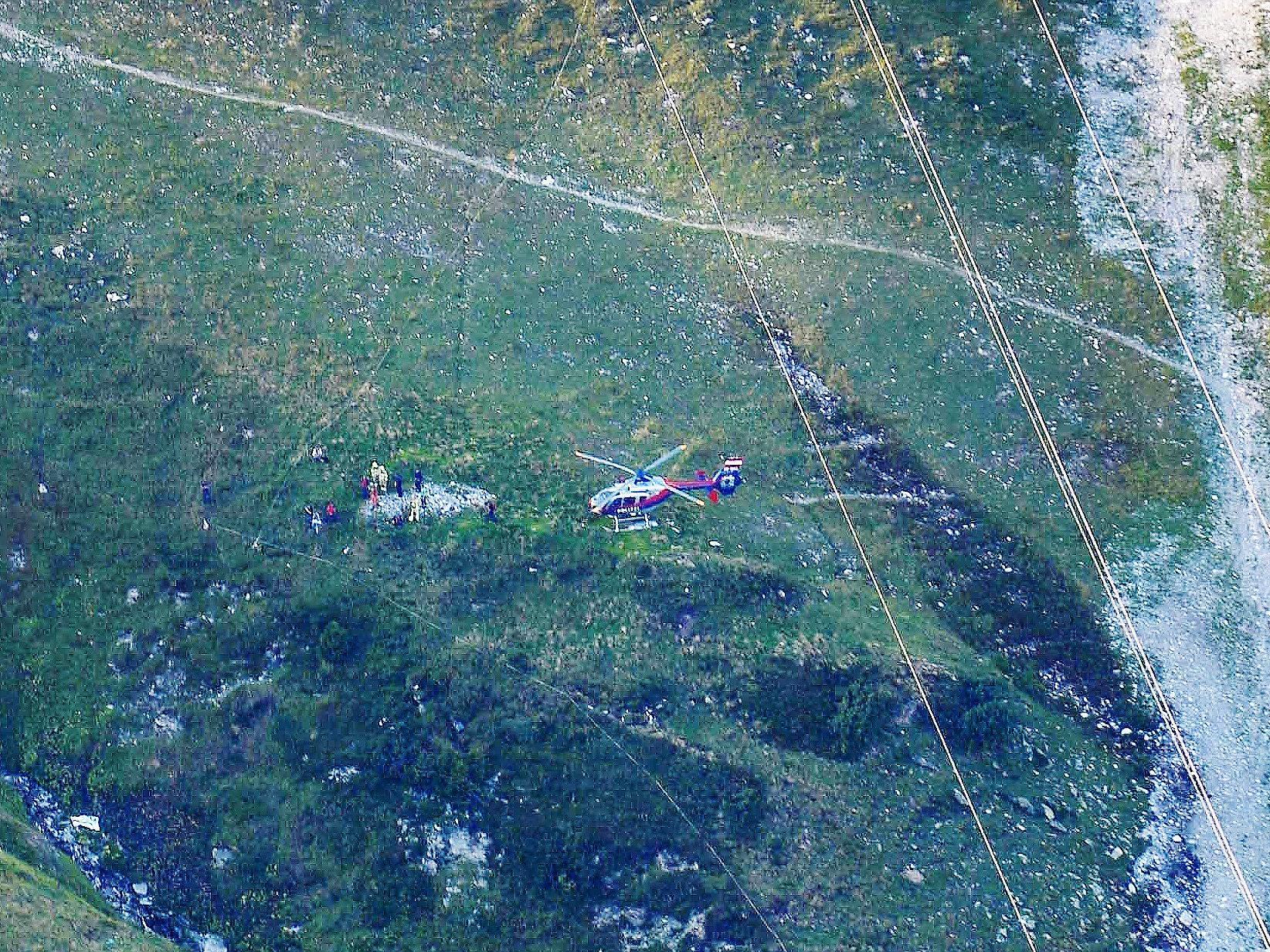 Flieger kollidierte mit Tragseil von Bergbahn.