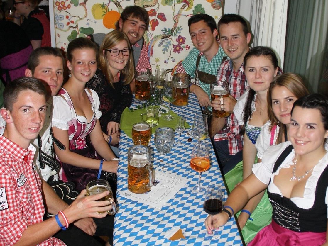 """Beim Lochauer """"Bierblosn-Oktoberfest"""" sind gute Unterhaltung und beste Stimmung garantiert"""