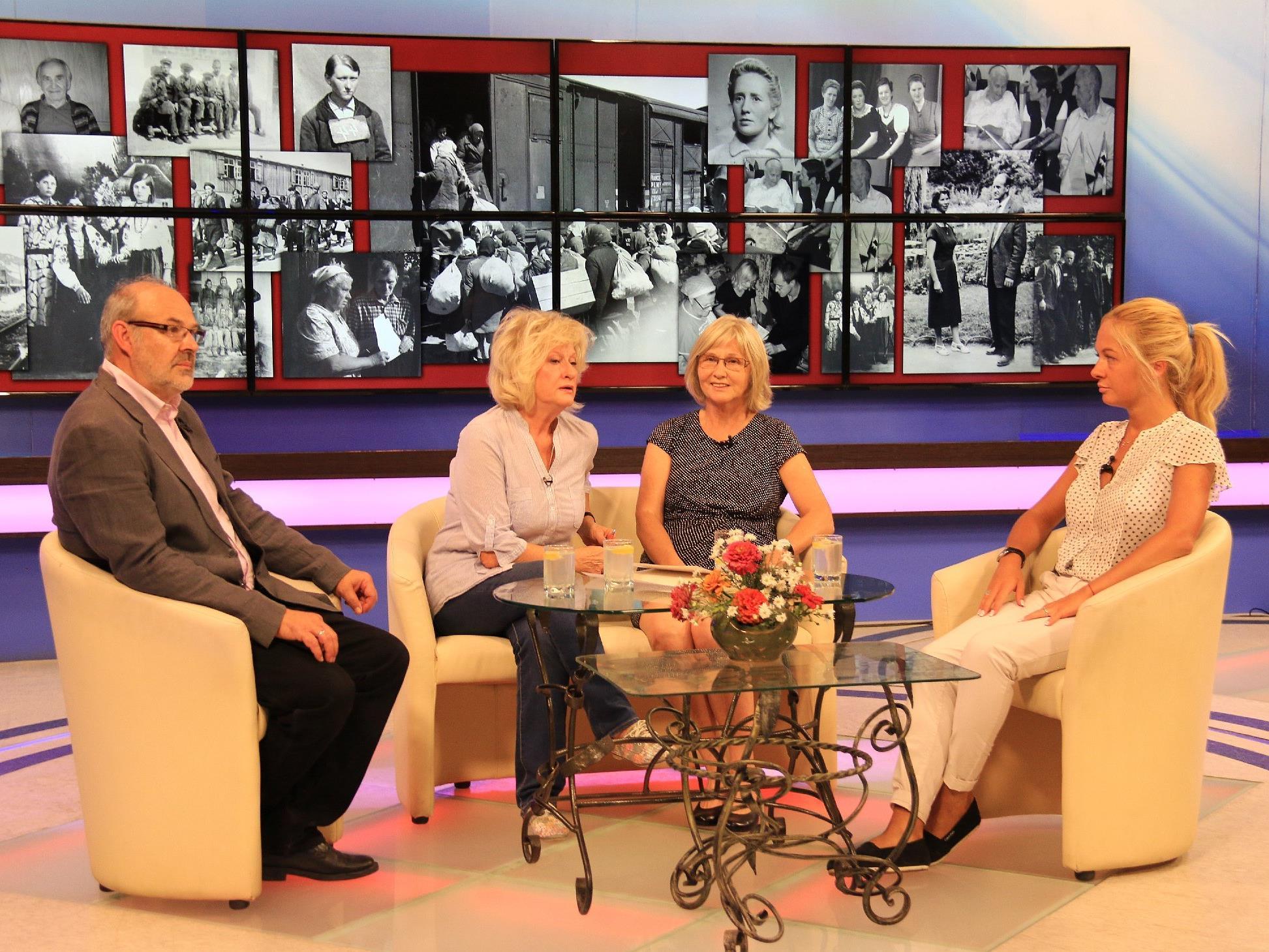 Buchpräsentation mit Werner Bundschuh, Moderatorin Sofia Kohmat, Margarethe Ruff und Viktoriya Romanchuk.