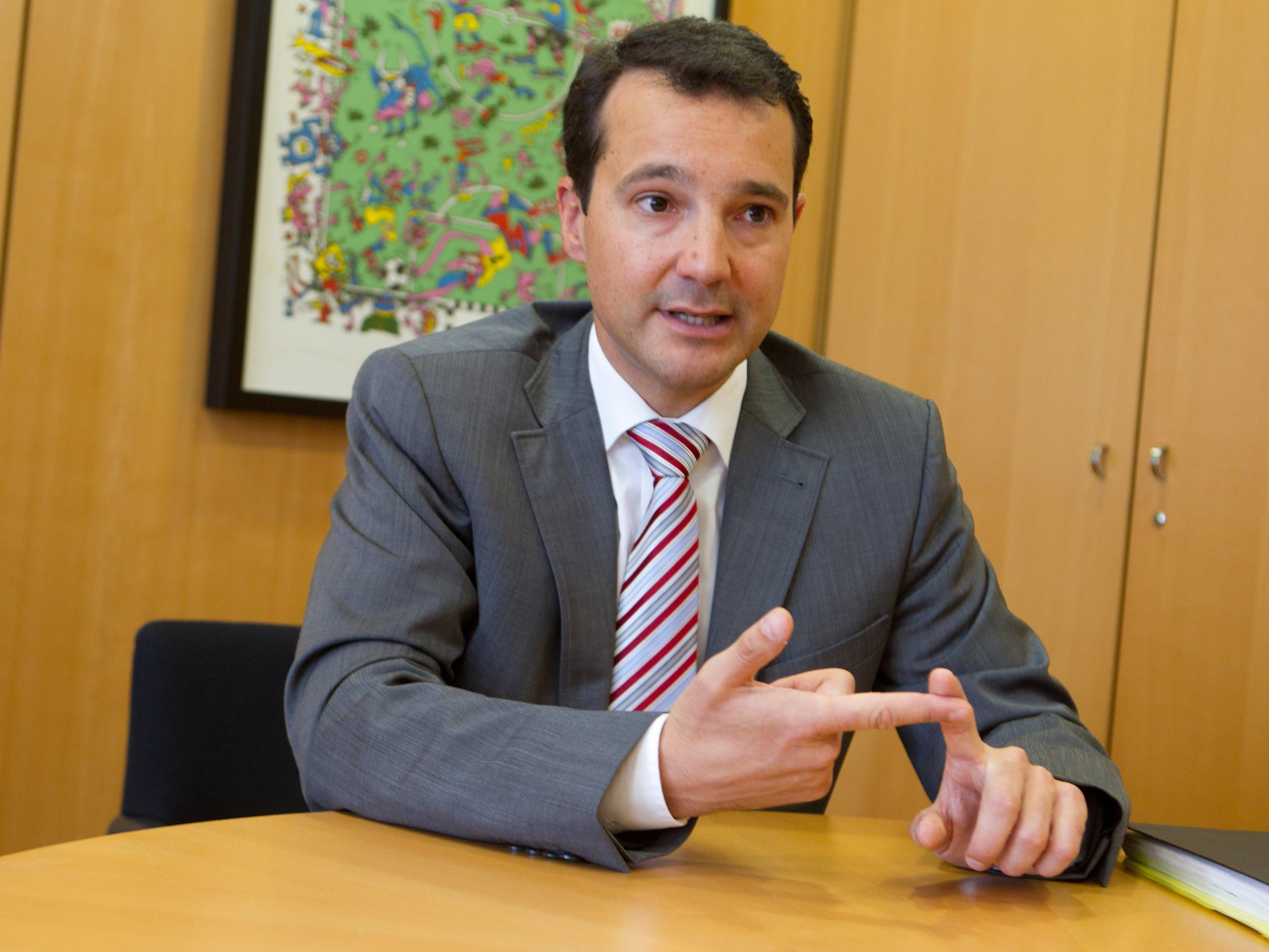 Dem Sozialminister Stöger warf Loacker Versagen in seiner Aufsicht über die Gebarung der Kammer vor.