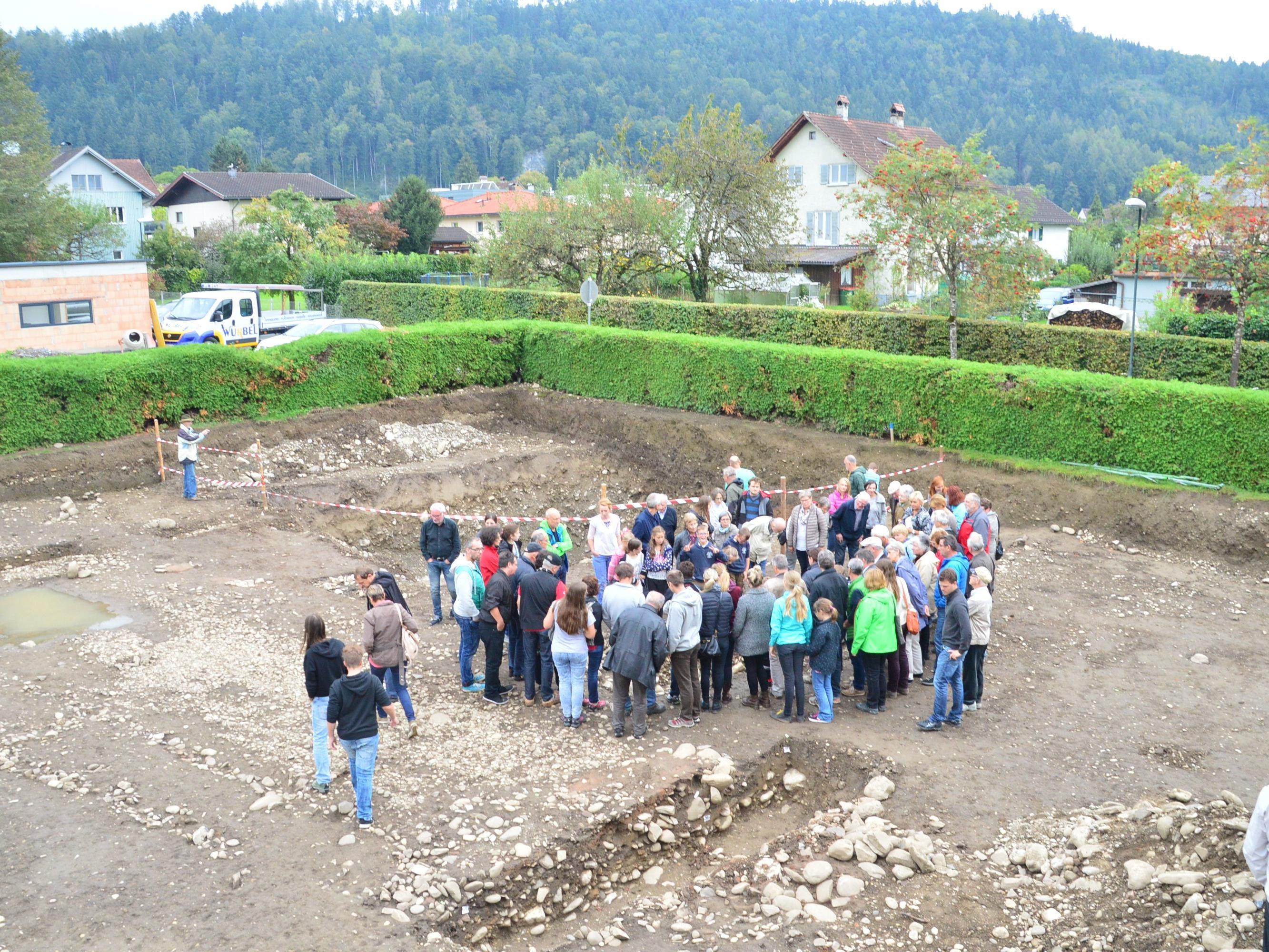 120 Interessierte ließen sich die Funde vorstellen.