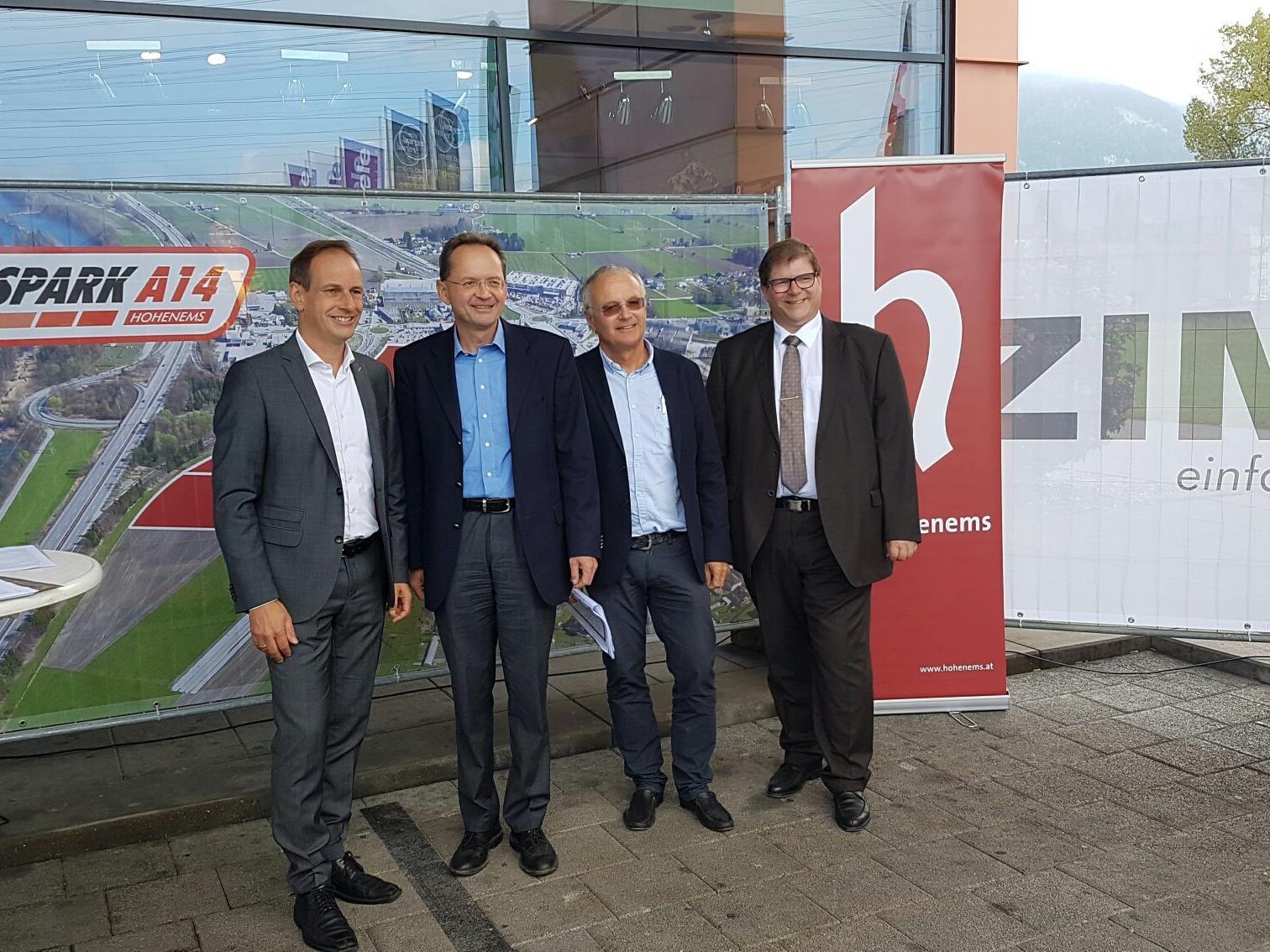 v. l. Bürgermeister Dieter Egger, GRASS-Geschäftsführer Christoph Walter, ZIMA-Geschäftsführer Mag. Elmar Girardi, Wirtschaftsstadtrat Arno Gächter