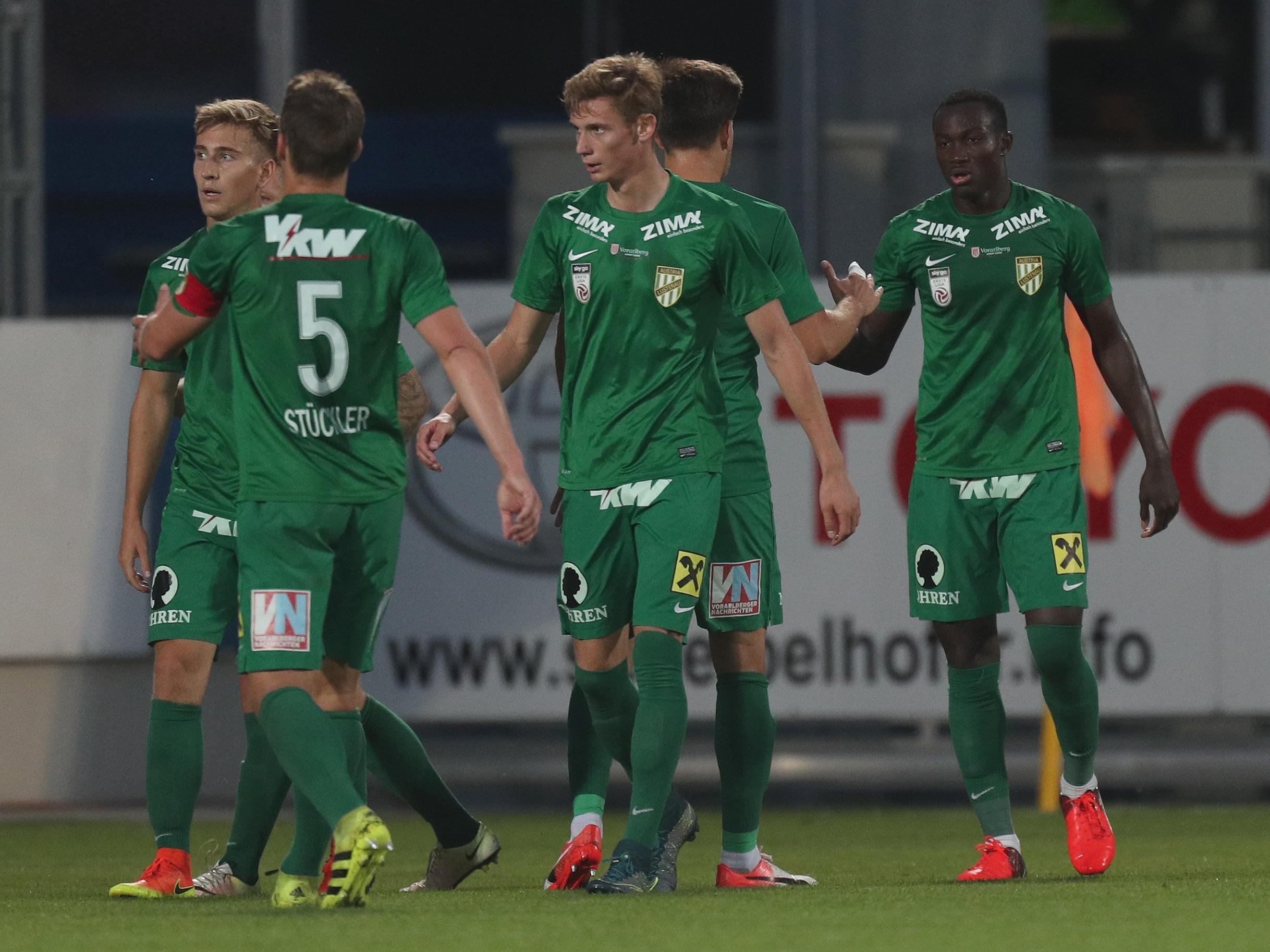 Die Austria feierte in Horn einen souveränen 3:1-Sieg.
