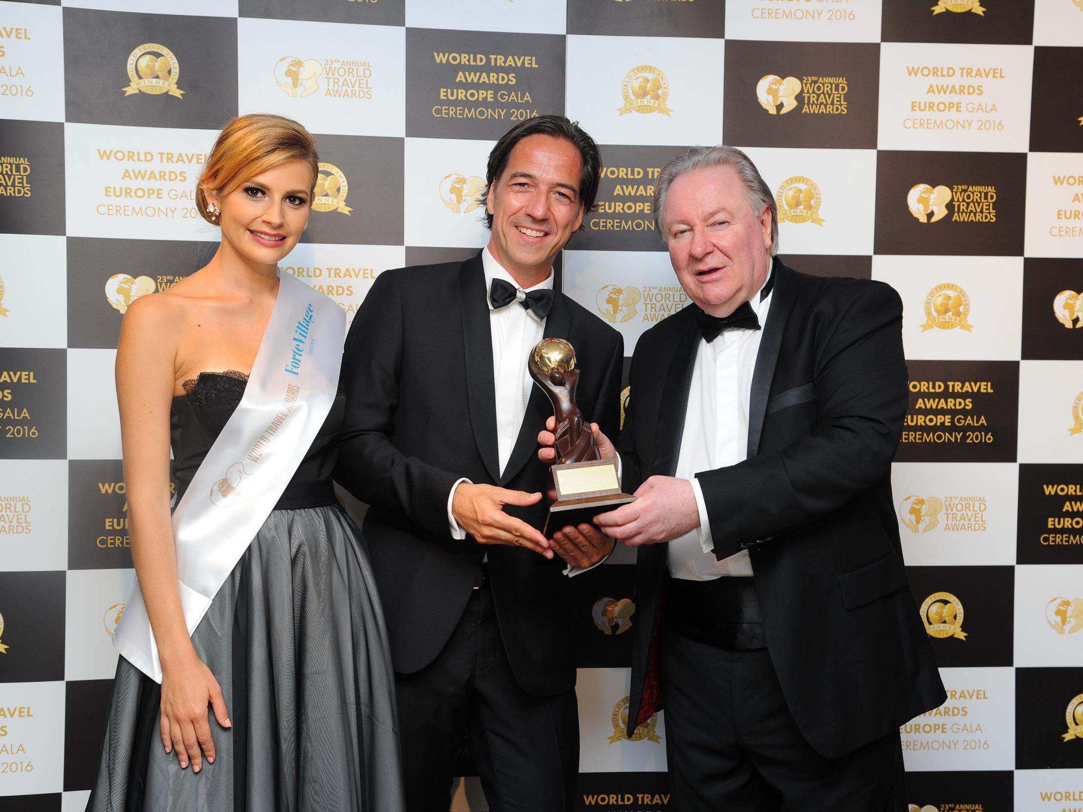 Hotel-Aurelio-Geschäftsführer Axel Pfefferkorn (mitte) bei der Verleihung des World Travel Awards.