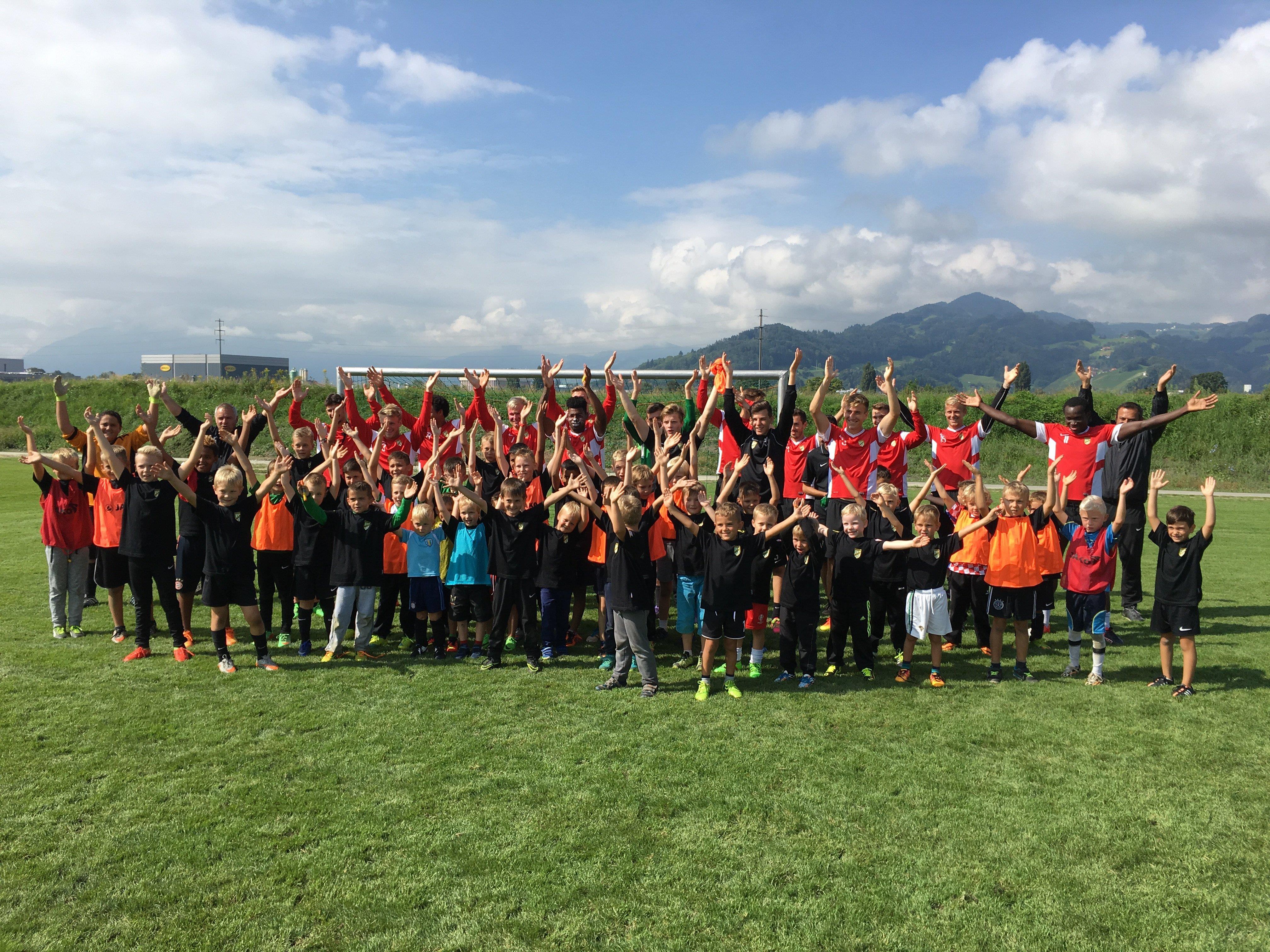Spaß und Freude beim Abenteuer- und Fußballcamp der Austria