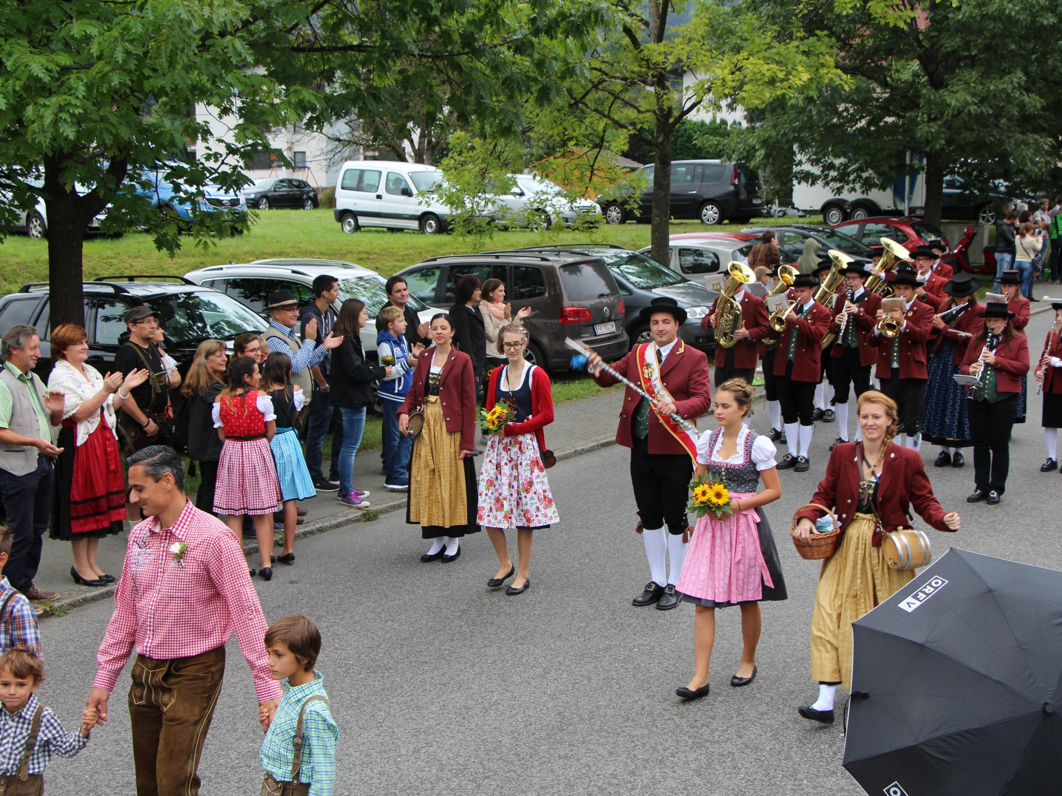 Feierlicher Festumzug beim Frastanzer Bockbierfest.