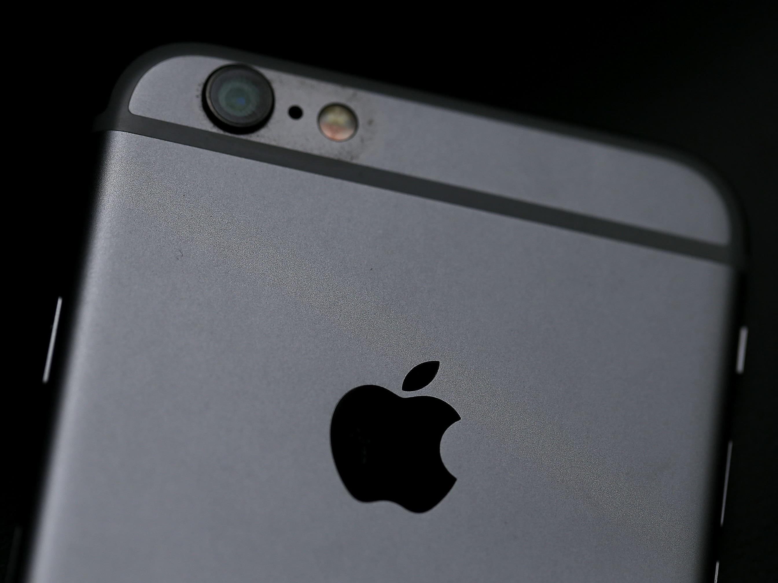 Ein Mann rastete in einem französischen Apple-Store aus.