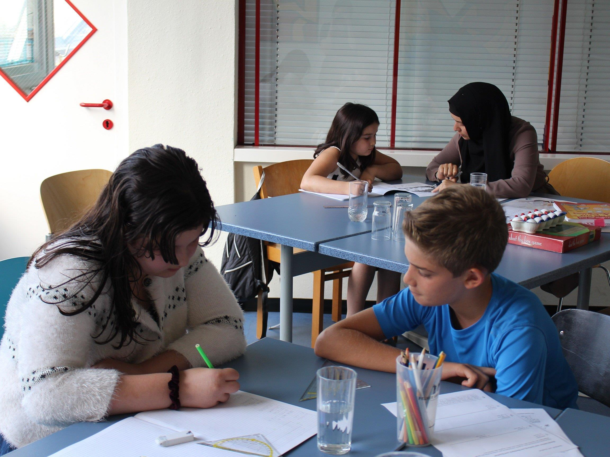 Für die Lerncafés werden noch Freiwillige gesucht.
